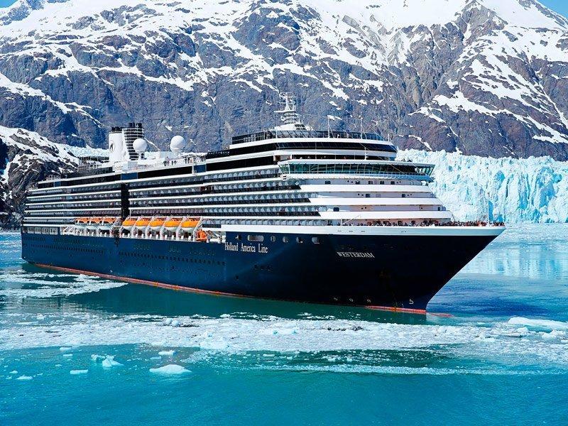 Westerdam navegando por los glaciares